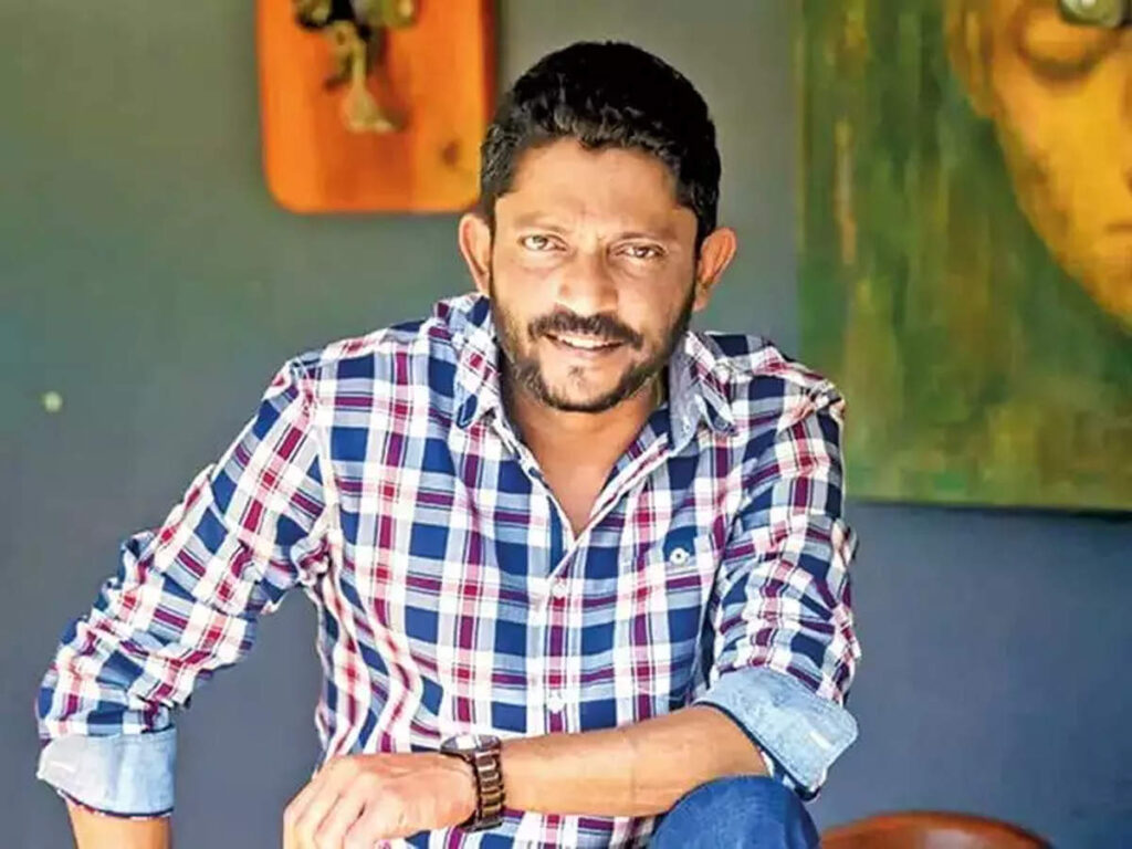 nishikant made his directorial debut with marathi film dombivali fast in 2005