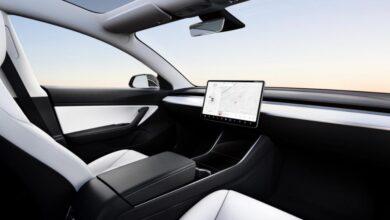 Tesla Model 3 Interior No Steering Wheel 01 1024x638 1